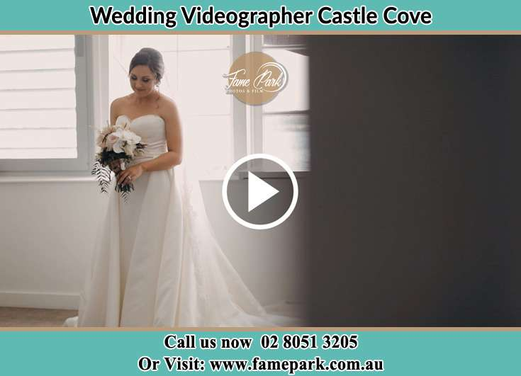 Bride already prepared with bouquet of flowers Castle Cove NSW 2069